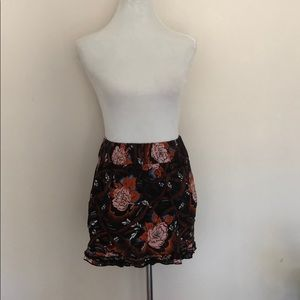 Dresses & Skirts - Floral high waisted skirt